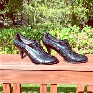 Franco Sarto black heeled oxford shoes 6 1/2